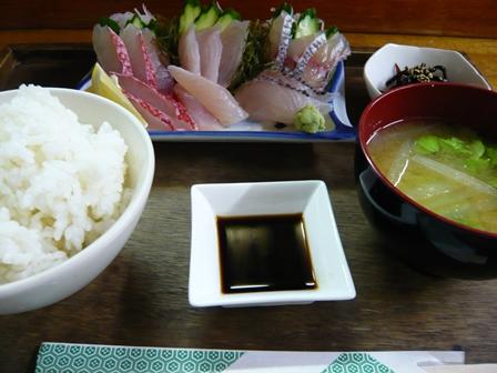さんさん食堂:刺身定食