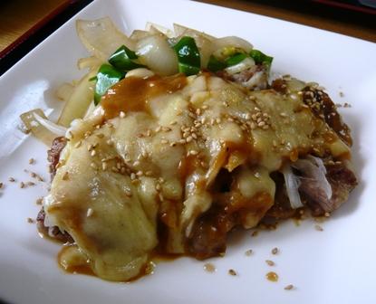 蛍の家族:豚テキ辛味噌チーズ2