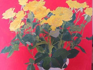 黄色のバラにえんじの背景