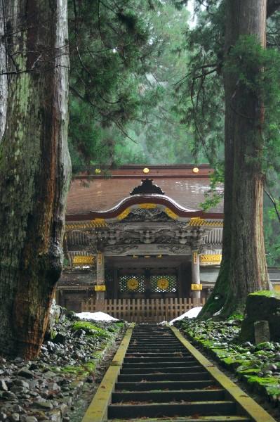 永平寺は、福井県吉田郡永平寺町にある曹洞宗の寺院