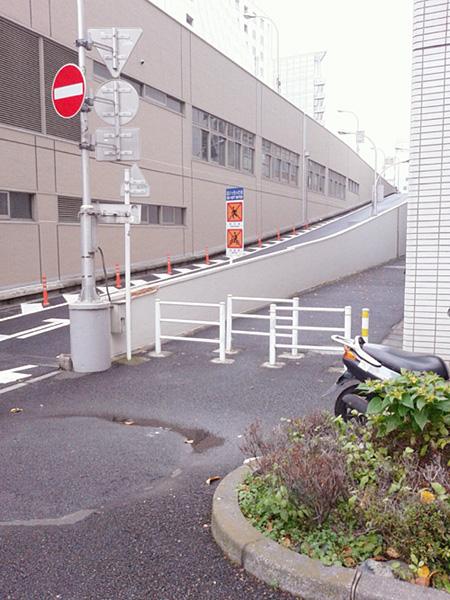 fc2-2012_1217-01.jpg