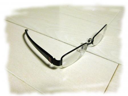 メガネ破壊
