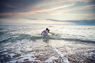 couple,kissing,love,photography,sea-89d86bd7c685932e866efb7c6a0e3a81_i