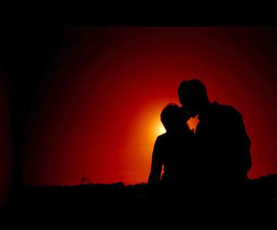 coupling,if,we,kiss,silhoue