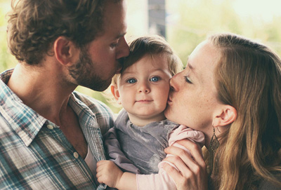 baby-cute-family-kiss-love-.jpg