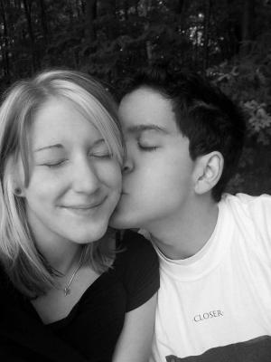 high-school-love-kiss.jpg