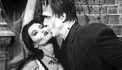 the-munsters-kiss-wide__ind.jpg