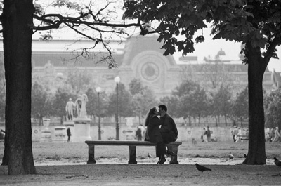 tuileries-kiss-hans-mauli.jpg