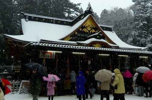どんと祭2013大崎八幡宮6本殿拝殿