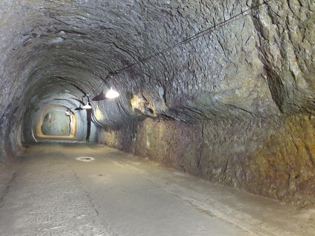 吉見百穴地下工場(2)
