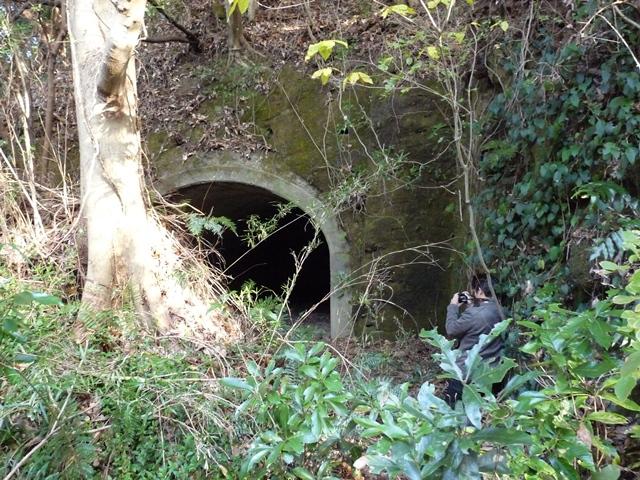 洞窟式弾薬庫(2)
