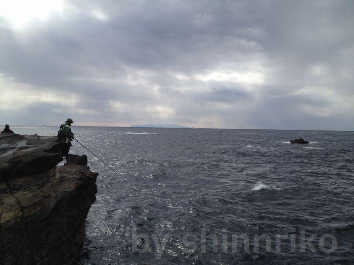 海の向こうに見えるのは大島