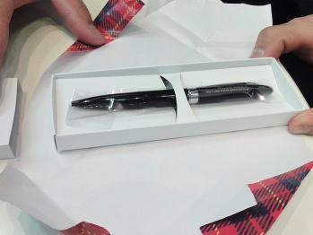 ノベルティー用の名入れボールペン