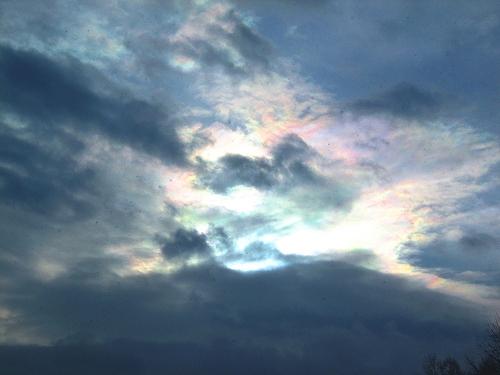 s-太陽は雲の中