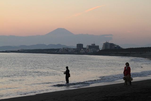 富士山と釣り人、わんこ