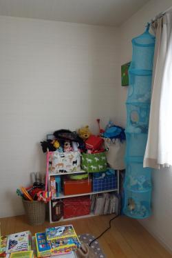 大庭邸 子供部屋 おもちゃ側ビフォー