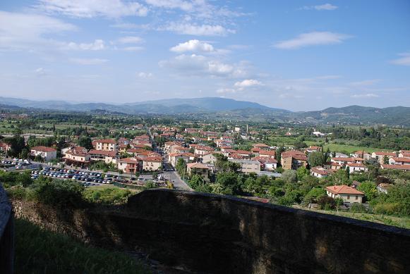 DSC_7512丘の上公園からメデチ家要塞を見る