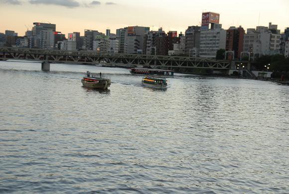 DSC_2290夕暮れの隅田川と遊覧船