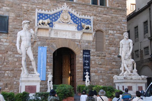 ヴェッキオ宮の入口