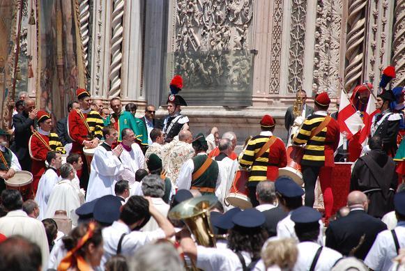 DSC_3355オルビエートの「聖体祭」