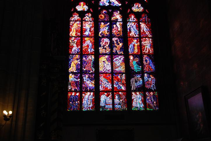 DSC_0718ヴィート教会ムハのステンドガラス
