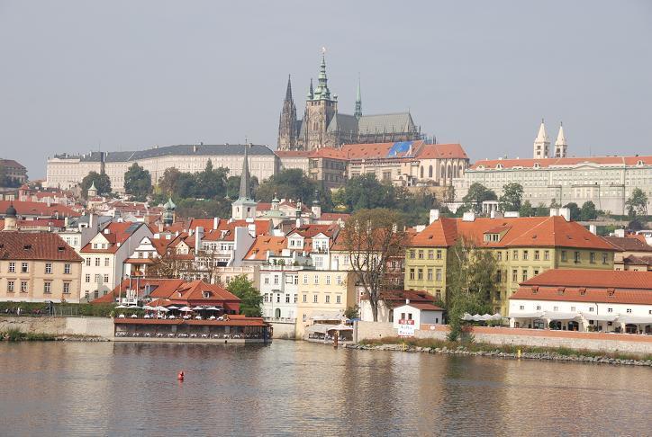 丘の上のプラハ城