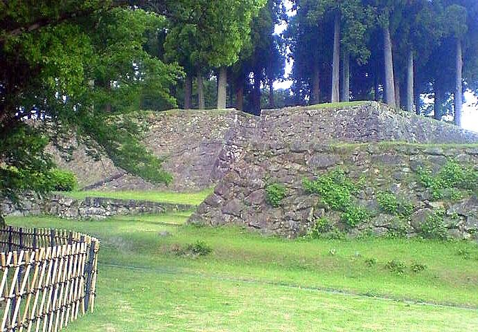 城・人吉城、二の丸御殿の長塀跡