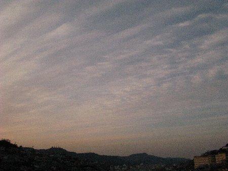 筋雲の空.jpg