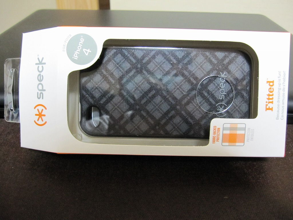 Speck fitted case for iPhone 4 (1)