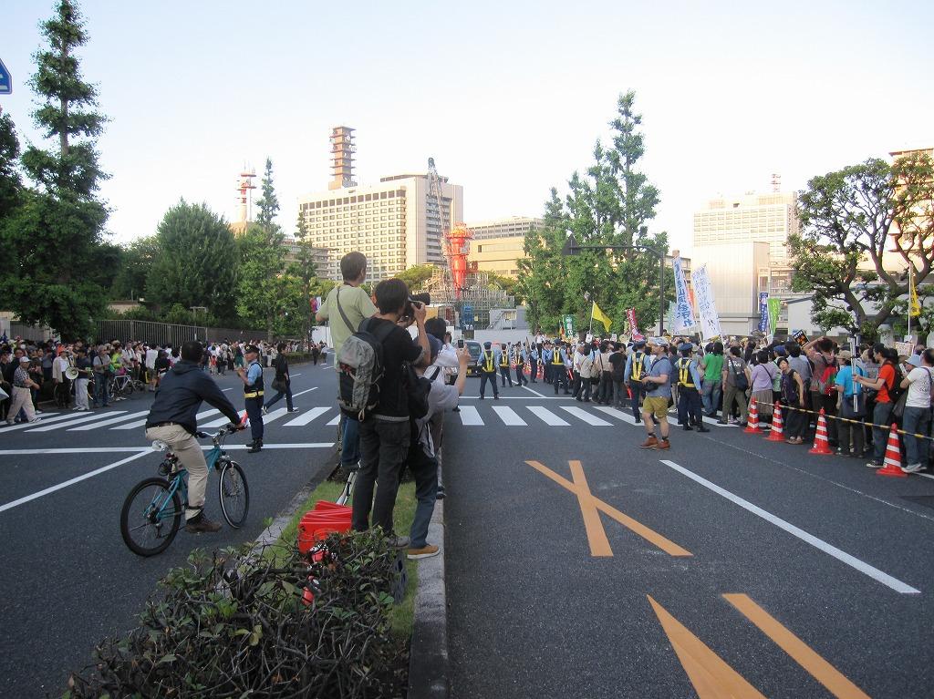 2012.06.29_大飯原発再稼動反対デモ@総理官邸前 (2)