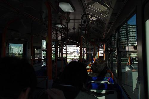 0696バスに乗車