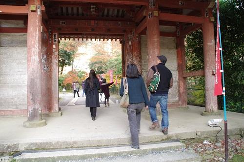 0749醍醐寺鐘手前の門