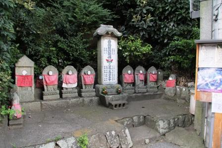 岡崎の石仏_H25.08.16撮影