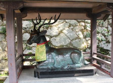 鹿の像_H25.10.13撮影