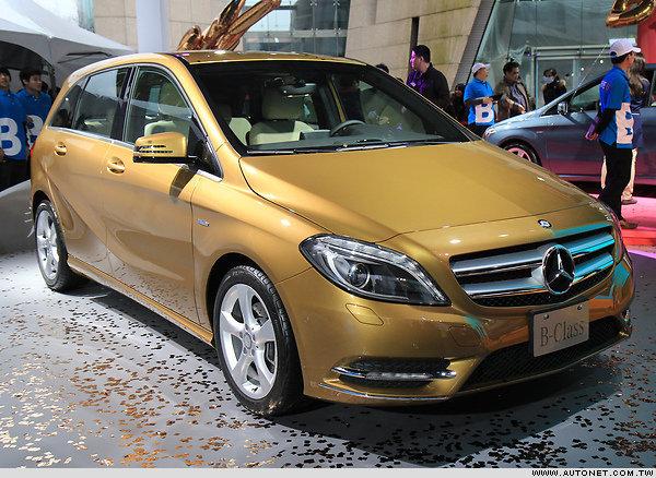 Mercedes-Benz AVENUE B 丁春誠:追記