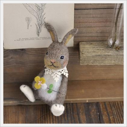 ビオラとウサギ
