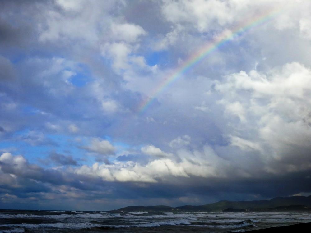 大塚海岸の虹