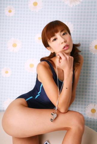 aki_hoshino_dgc1024.jpg