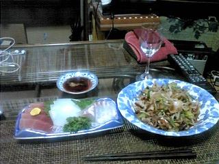 刺身と肉野菜炒め