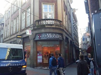 アムステルダム市街のT-Mobileショップ