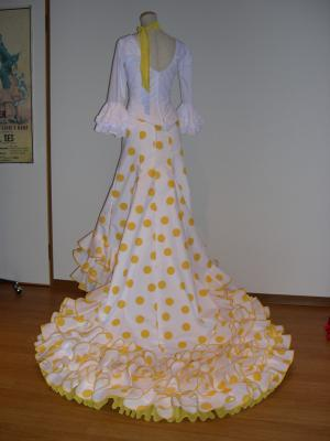 白黄色水玉バタ縦?