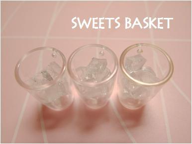 ミニグラスと氷