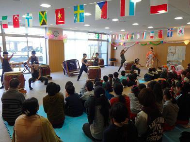 湯涌の子供達が元気で素晴らしい和太鼓を演奏