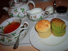 抹茶とホワイトチョコのスコーン