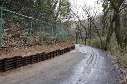 狭山丘陵の法面工事