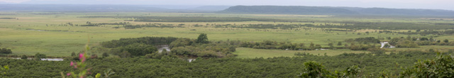 細岡展望台から見た釧路湿原(右)