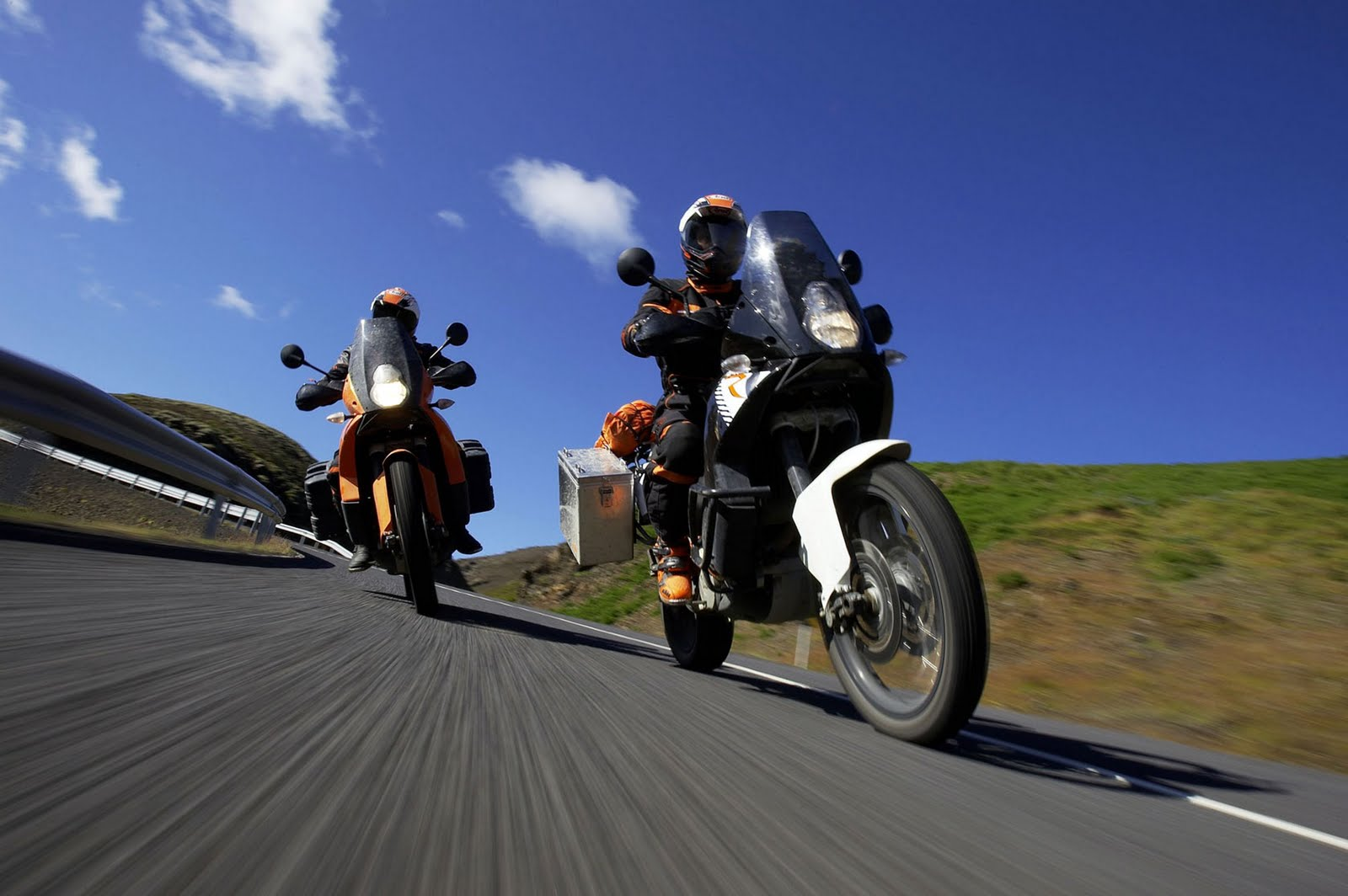 KTM 990 Adventure 2011[1]
