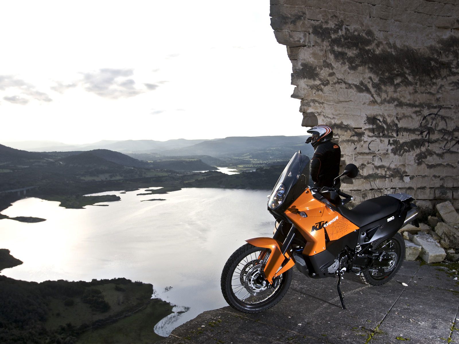 Ktm-990-Adventure-high-in-the-mountains-wallpaper_5745[1]