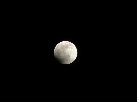 皆既月食始まり 21:56