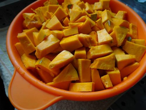 カボチャのサラダ作り